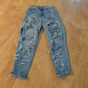 Vintage Distressed Highwaisted Levi's 550